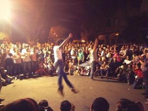 @sharifkouddous: Moving street ballet performance of Zorba in front of occupied Culture Ministry #Egypt http://t.co/Ool6VryiZg