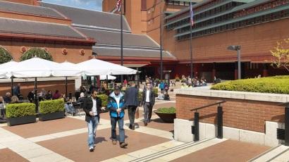 british-library-piazza